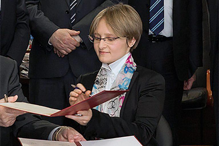 Дочь Путина защитит кандидатскую диссертацию под руководством ректора МГУ