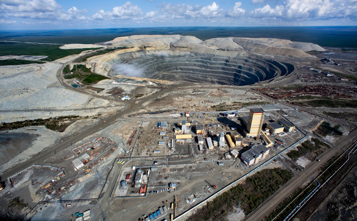 Из-за уровня метана эвакуированы более 120 рабочих из рудника «Удачный»