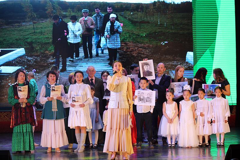 В Якутске в третий раз прошел фестиваль «Наши деды в рядах бессмертного полка»