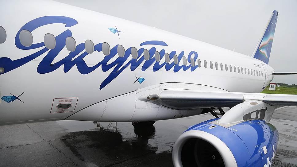 У «Суперджета» авиакомпании «Якутия» треснуло лобовое стекло во время полета
