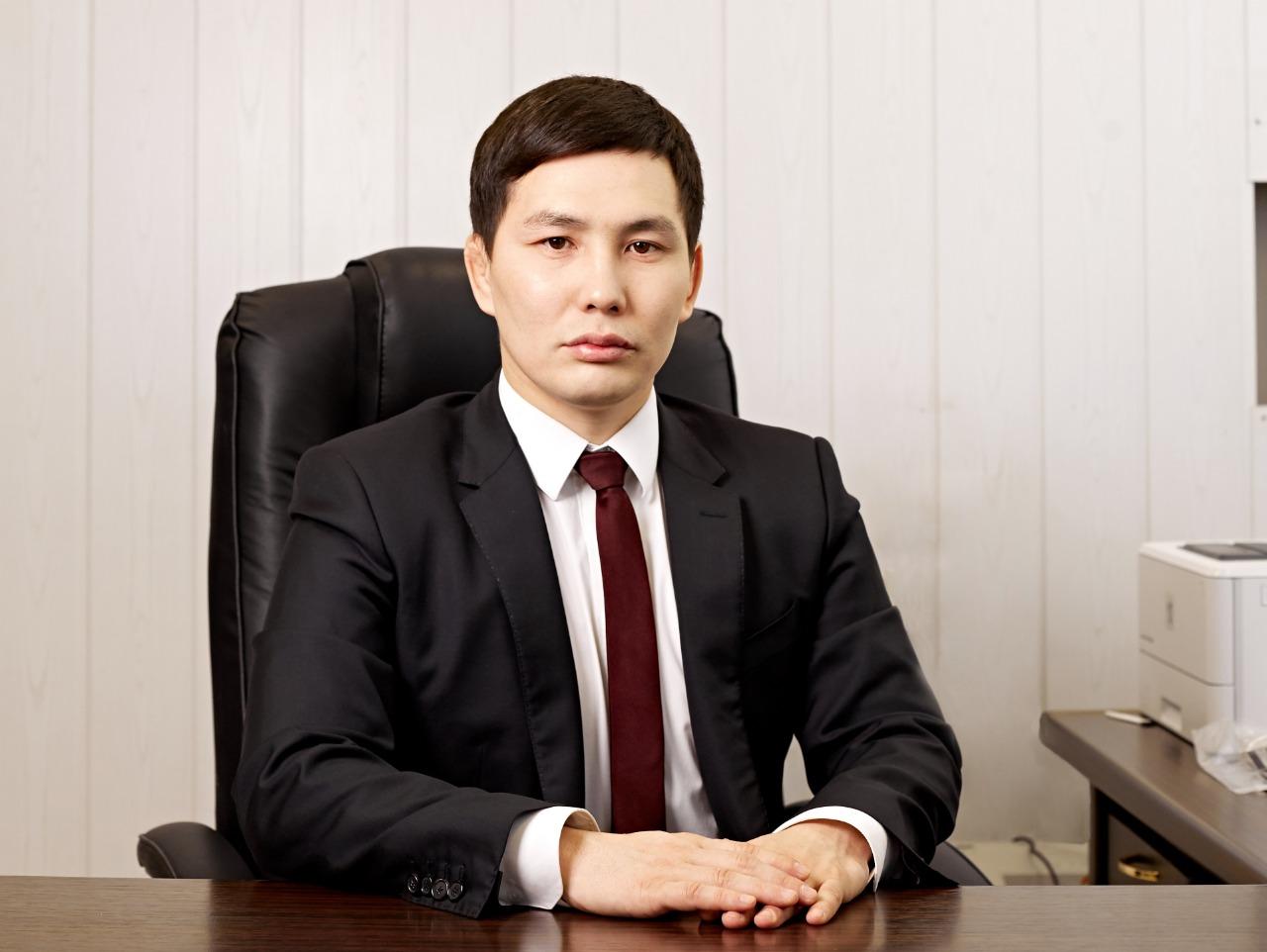 Народный депутат Ил Тумэна Виктор Лебедев избил подчиненного