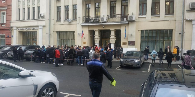 У здания Сахапостпредства в Москве пикет в защиту животных (видео)