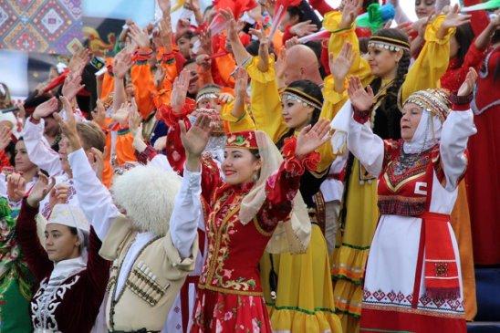 По верховенству Конституции РФ: «государствообразующий народ» будет превыше «регионообразующего народа»