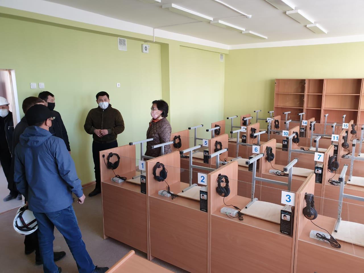 Сардана Авксентьева осмотрела новые объекты образования в Якутске