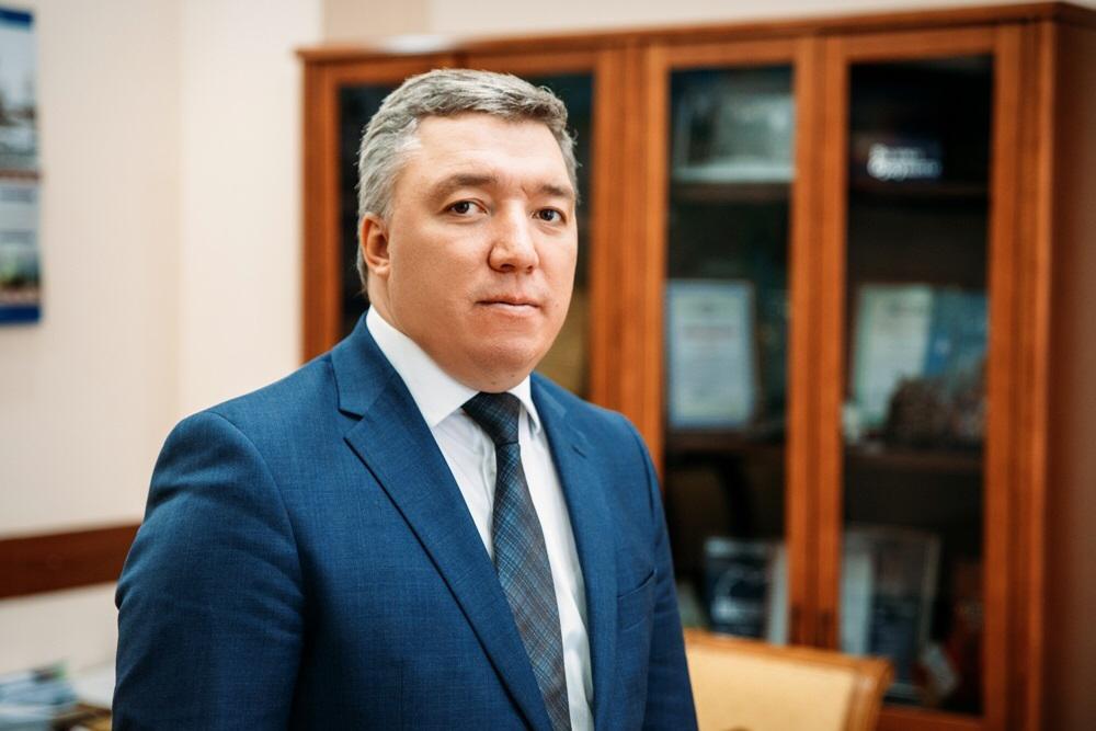 Вице-премьер Денис Белозеров поздравил свою альма-матер