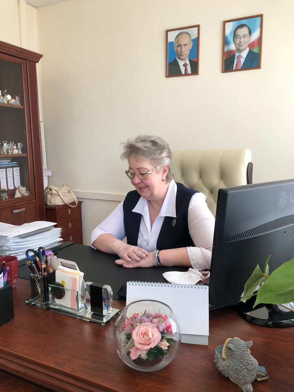 Евдокию Евсикову пригласили на последний звонок