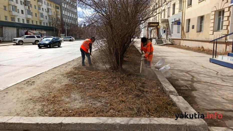 Уборка пыли и ямочный ремонт в Якутске 12 мая