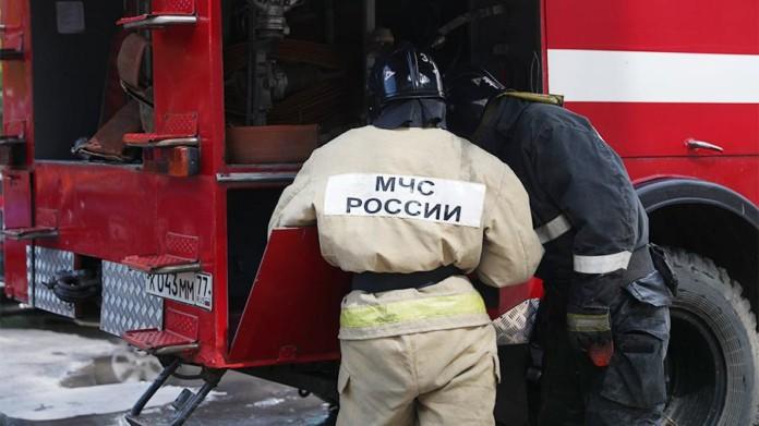 В Якутии во время пожара эвакуировали 18 человек. Предварительная причина-поджог