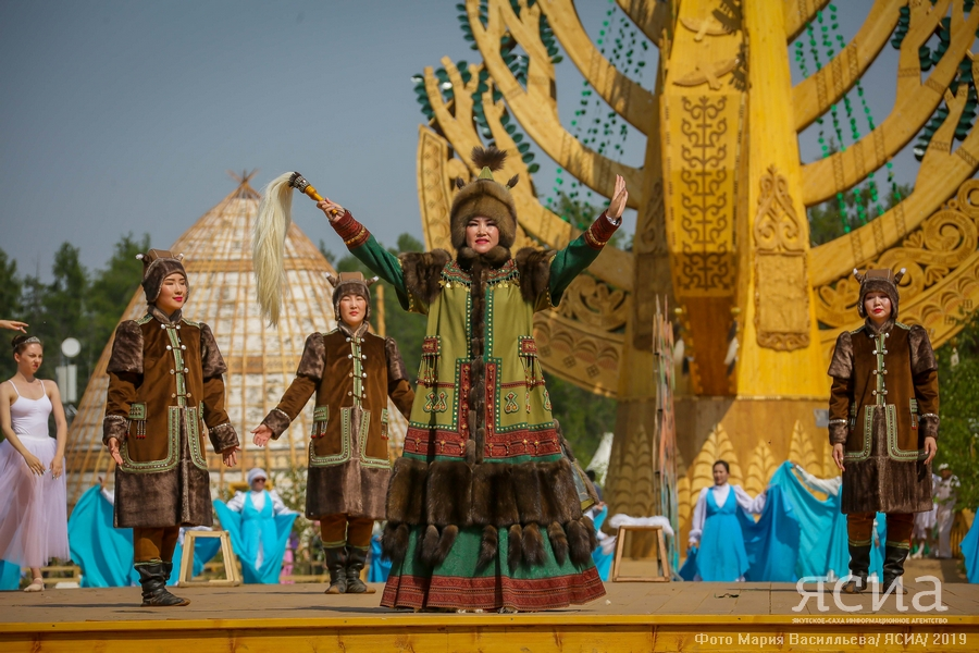 От прошлого к настоящему. Как трансформировалась якутская национальная одежда для Ысыаха