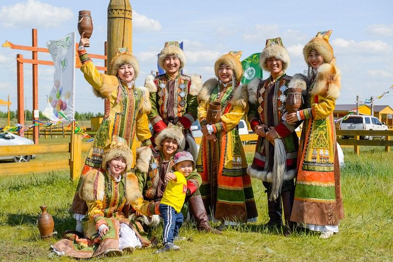 Иван Слепцов поздравляет с праздником Ысыах