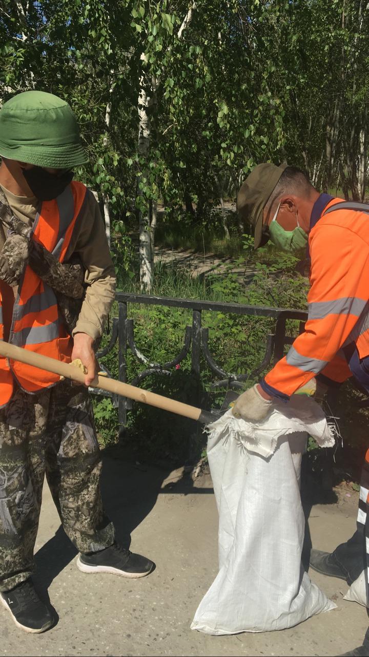 Плановая уборка пыли и ямочный ремонт улиц в Якутске 19 июня