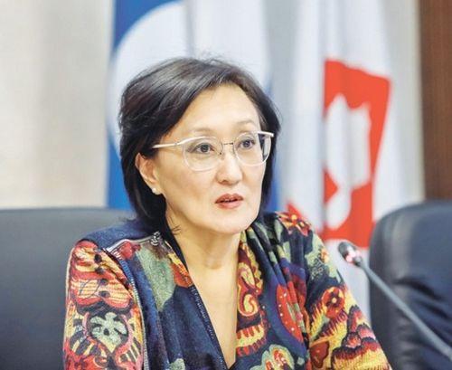 Сардана Авксентьева обсудила с депутатами Ил Тумэна вопросы межбюджетных отношений