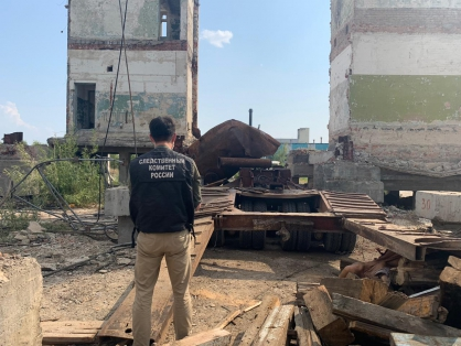 В Якутске устанавливаются обстоятельства травмирования людей и гибели человека в районе Птицефабрики