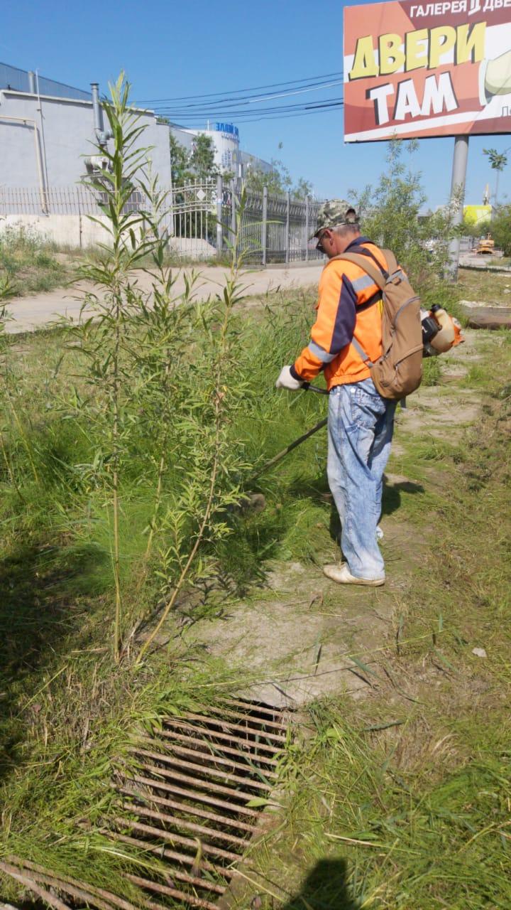 Плановая уборка пыли и ямочный ремонт улиц в Якутске 27 июля