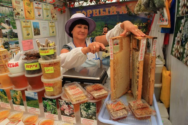 Традиционная ярмарка меда в Якутске стартует 18 июля