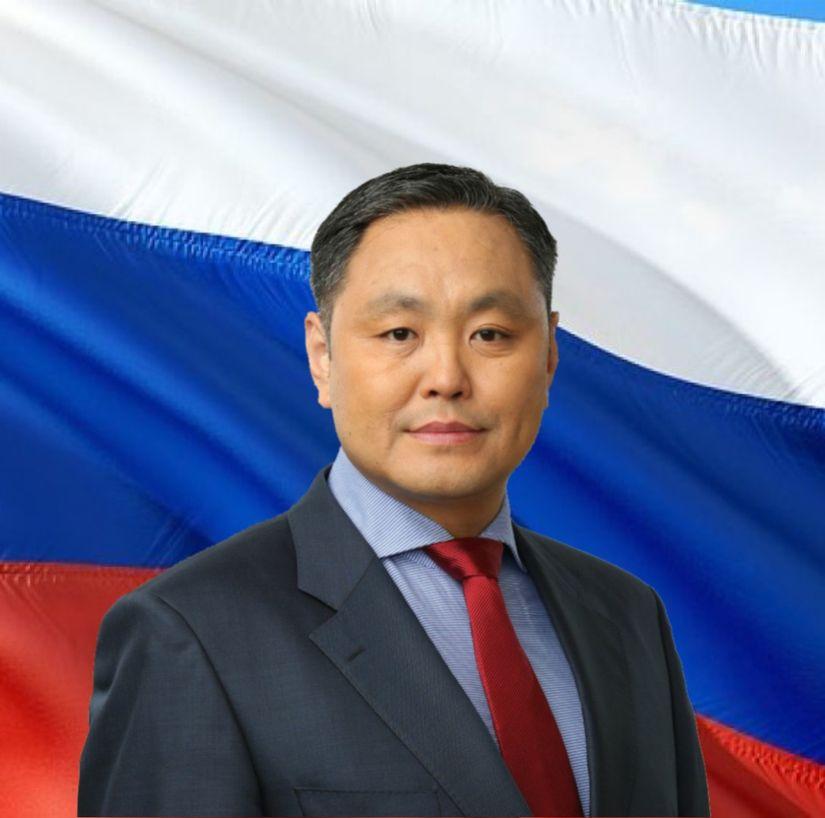 Поздравление Председателя Якутской городской Думы с Днем российского флага