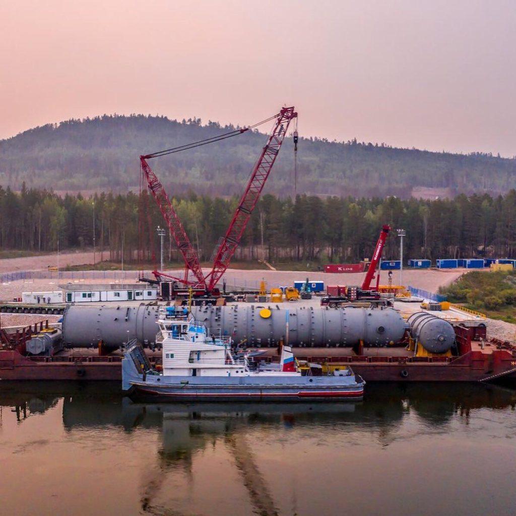ЛОРП приняло крупногабаритное оборудование с морского транспорта и доставило груз в срок