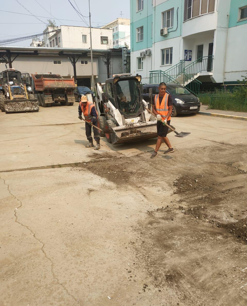 Плановая уборка пыли и ямочный ремонт улиц в Якутске 3 августа