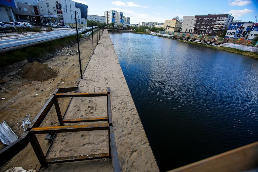 В Якутске благоустраивают общественные пространства и дворовые территории