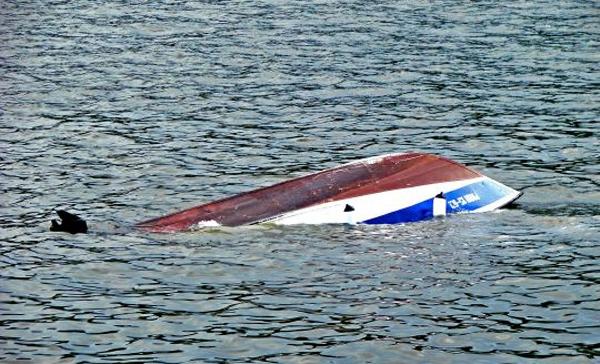 Жители Сутуруохи лишились 16 лодок из-за непогоды