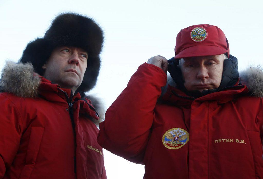 Путин назначил Медведева  «начальником»  Арктики