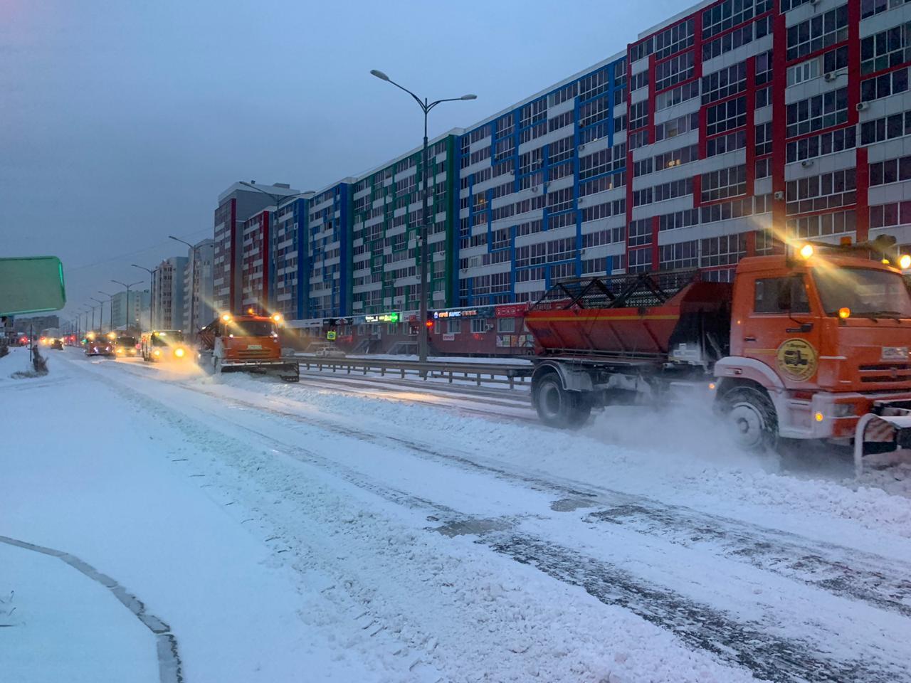 С улиц Якутска за неделю вывезено 12 753 кубометров снега