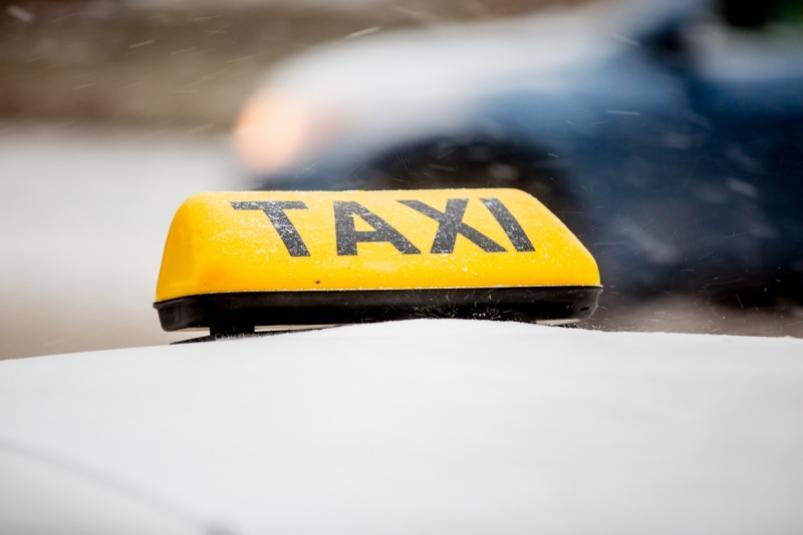 В Якутии сократили срок выдачи разрешения на перевозку пассажиров легковым такси