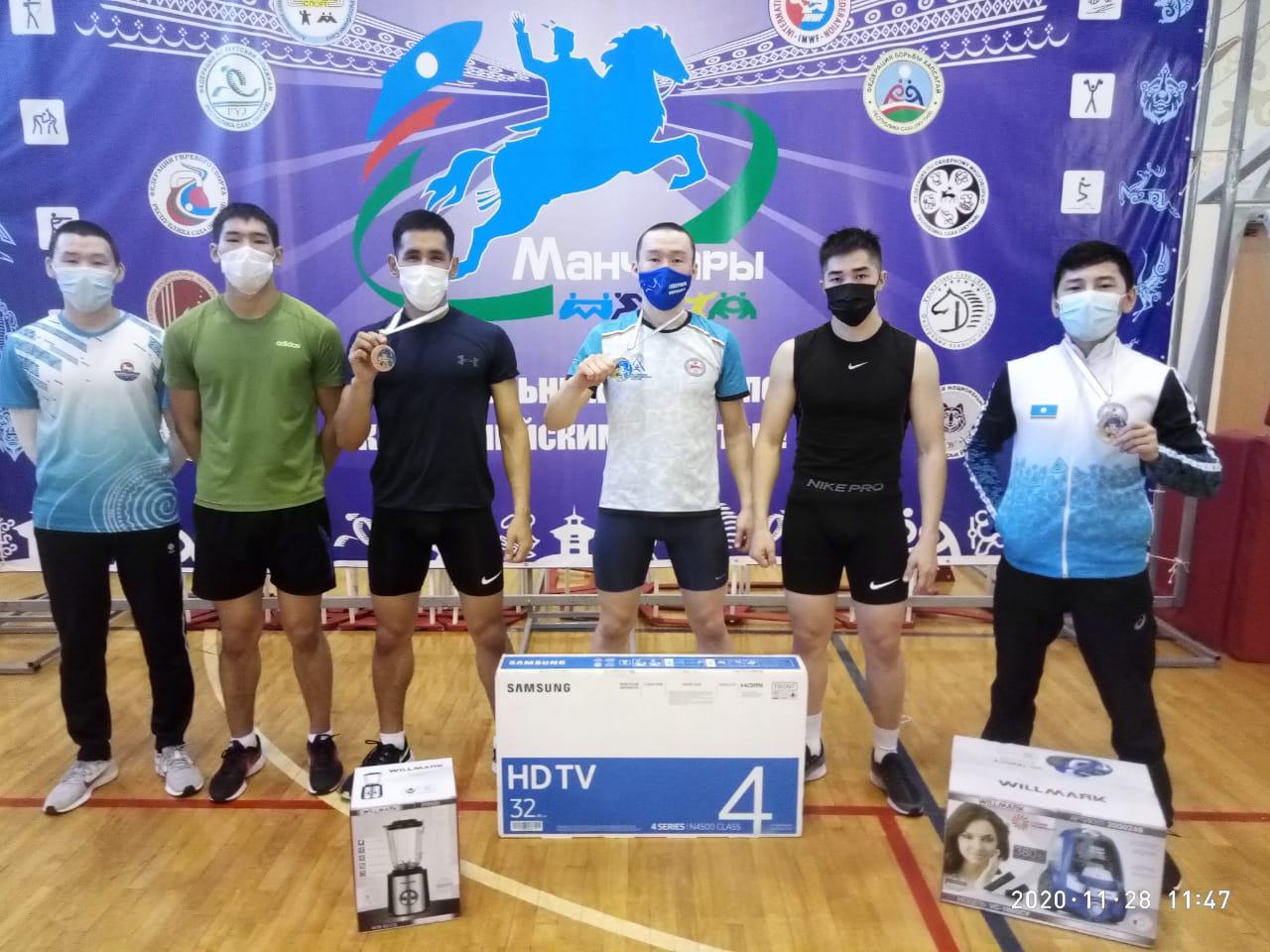 В Якутске состоялись состязания по северному многоборью «Игры народов Севера»
