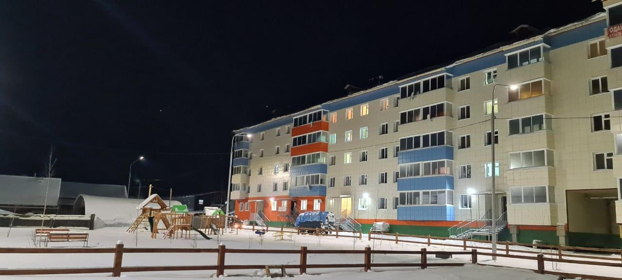 Жители многоквартирного дома в с. Сунтар получили ключи от новых квартир