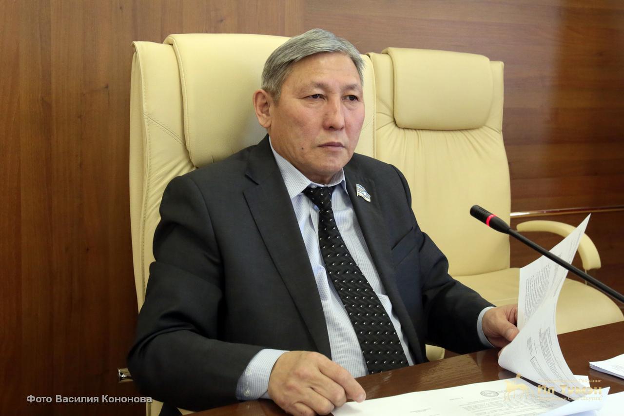 Владимир ПРОКОПЬЕВ: «Профессиональнай парламент икки палаталаах буолуохтаах»
