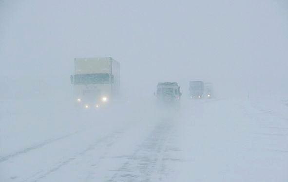 Госавтоинспекция напомнила водителям об опасности поездок в мороз и туман