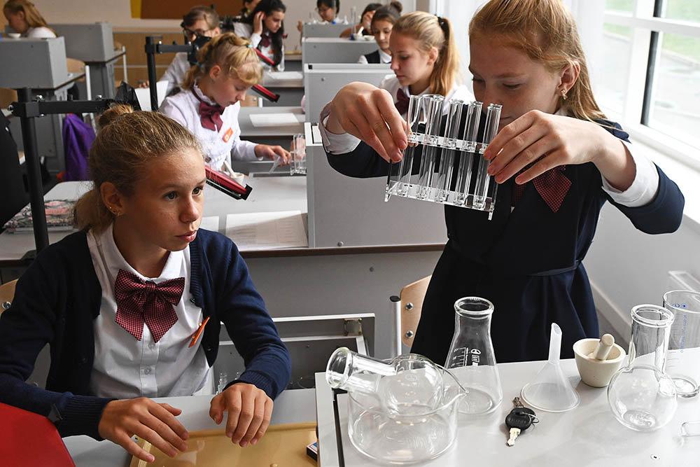 Матвиенко: Надо добиваться пятидневки для всех школьников