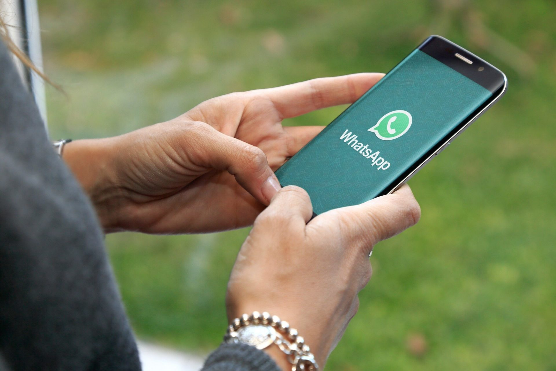 Горелкин: новая политика WhatsApp неэтична