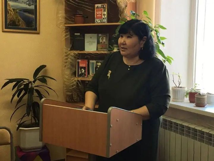 Писательница Варвара КОРЯКИНА ответила сестре Ил Дархана, обозвавшего электорат брата «убогими растениями»