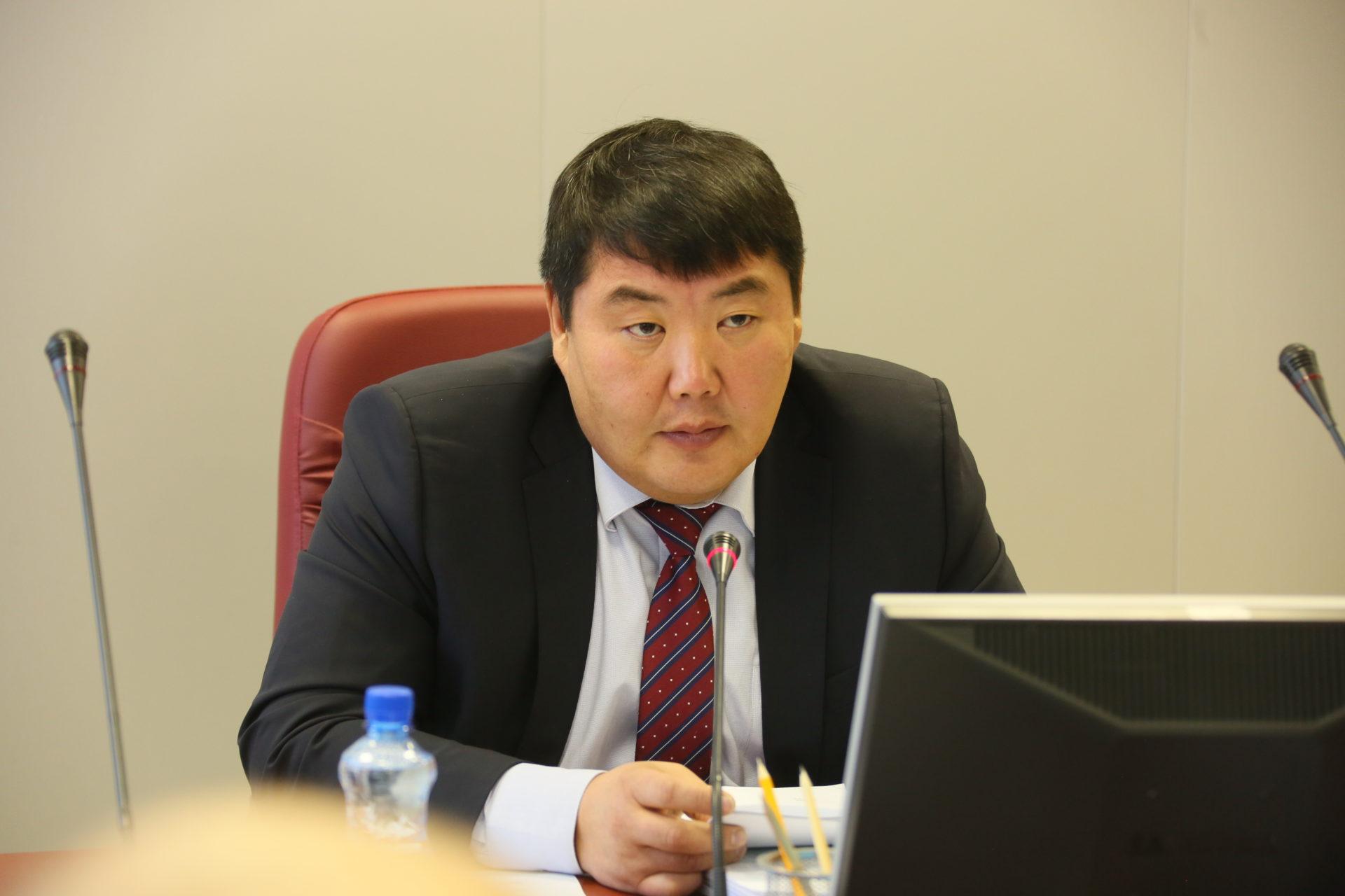 Алексей ЕРЕМЕЕВ: «Досрочного сложения полномочий депутатов  Ил Тумэна шестого созыва не будет»