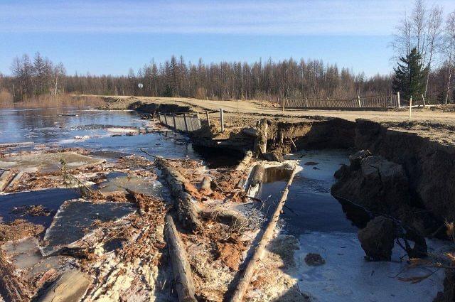 Управление автодорог Якутии: На автодороге «Кобяй» смыло подходы к старому мосту