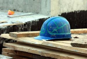Комиссия расследует несчастный случай при строительстве нефтебазового комплекса в Нижнем Бестяхе