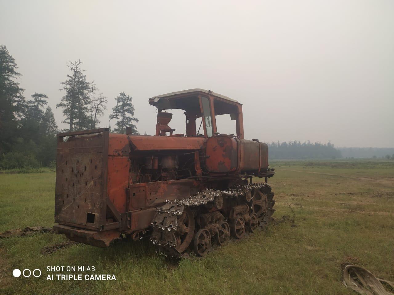 «Два сотрудника Якутлесресурса на свои личные деньги купили неисправный советский трактор ДТ75»