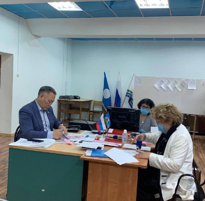 Министр, проваливший тушение лесных пожаров, решил стать депутатом Ил Тумэна